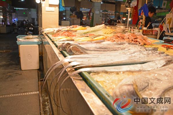 禁渔期 冰冻海鲜成我县水产销售主力