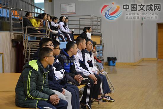 我县举办第十七届中小学生体育节排球比赛