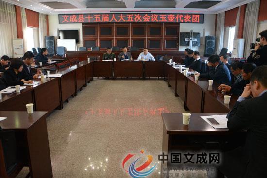 县人大常委会主任刘建忠参加玉壶代表团审议