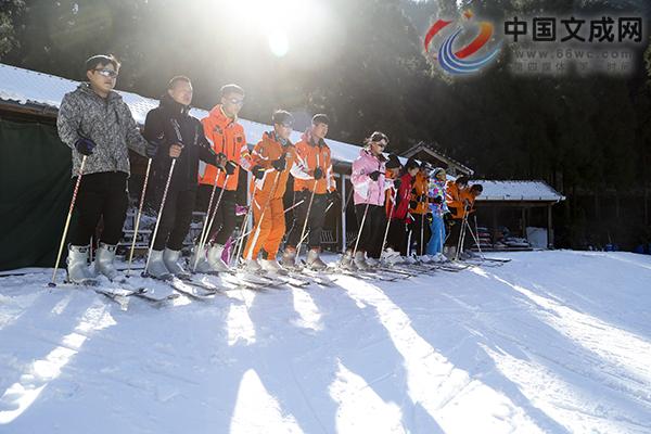 准备好了吗?这个冬天绿水尖滑雪场等你来High!