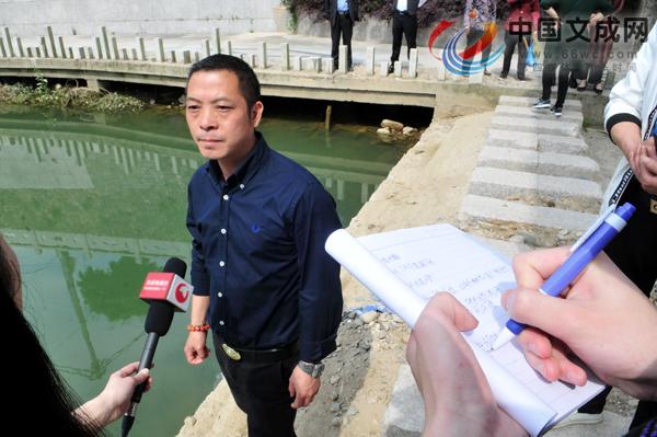 华侨勇救溺水母子