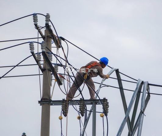 我县14个乡镇123个行政村停电