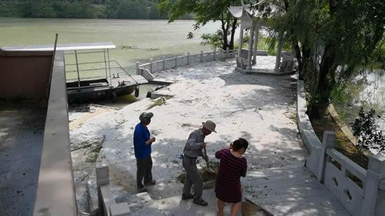 平和:大��口村组织党员干部开展灾后自救工作