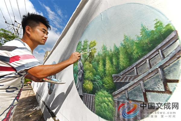 白墙穿彩衣 精美墙绘营造创5A景区氛围