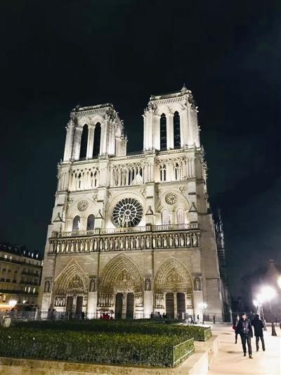 温州市民与巴黎圣母院的故事