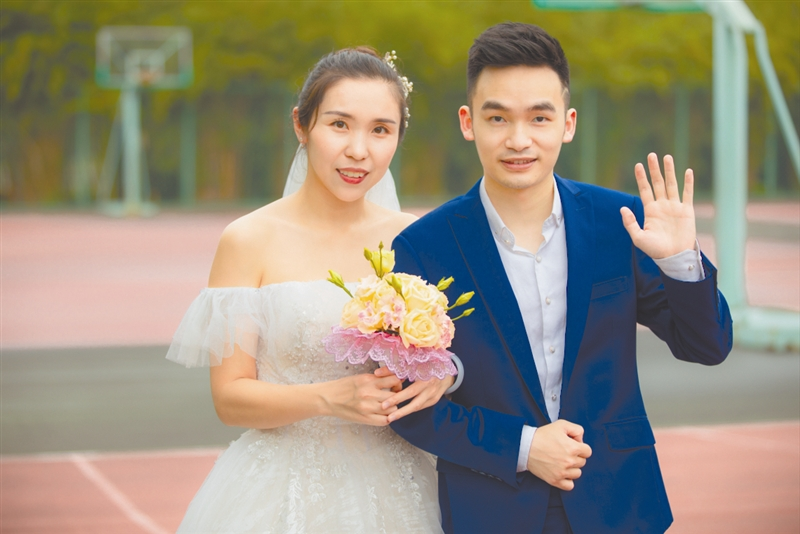 温医大举行首届校友集体婚礼 19对新人各有各的甜蜜故事