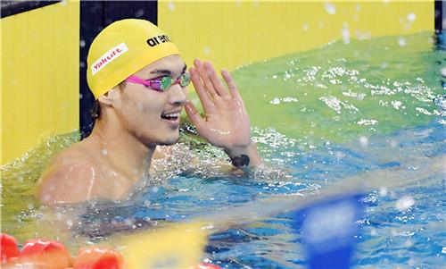 美国游泳赛徐嘉余主项副项摘两冠
