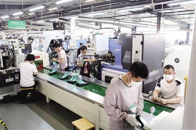 温州经开区落实失业保险金稳就业政策 1.68亿企业社保费返还基本到位