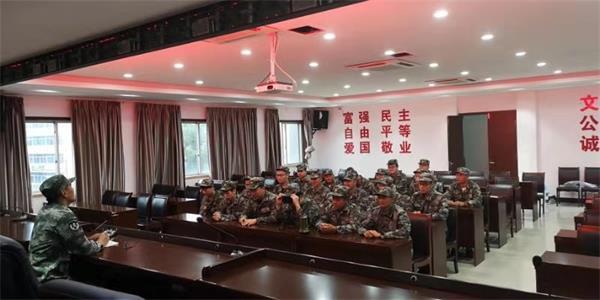 百丈�T镇民兵抗台抢险救援分队转入备战状态