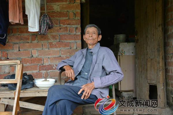 底村:胡绍波