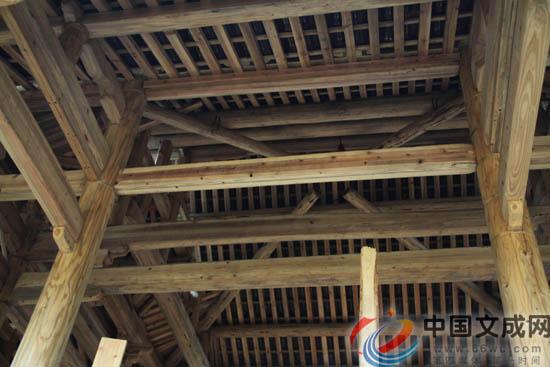 木头梁怎么吊顶图片